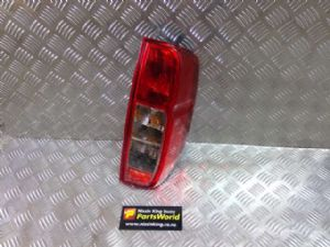 Nissan Navara D40 MNT 4WD 2010-2012 R Tail Light