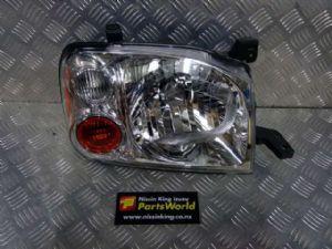 Nissan Navara D22 4WD 2002-2007 R Headlight