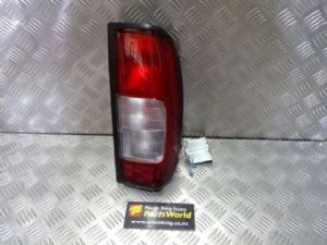 Nissan Navara D22 4WD 2002-2007 R Tail Light