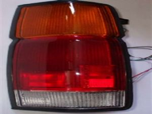 Nissan Navara D21 1992-1997 R Tail Light