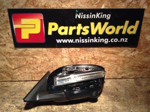 Nissan Xtrail T32 4WD 2014-2016 LF Door Elec Mirror