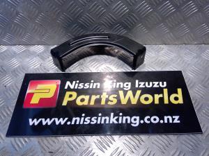Nissan Navara D23 MNT 4WD 08/2015-2019 RF Bumper Retainer