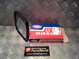 Nissan Caravan Homy E24 1986-2001 RF Door Man Mirror
